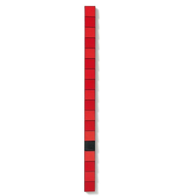 Composizione – acrilico, legno e frammento di radiatore su struttura in ferro 180x10x6cm